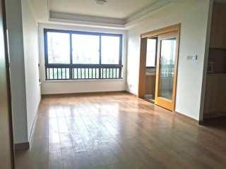 (高新区)高尔夫鑫城4室2厅2卫300万143m²出售